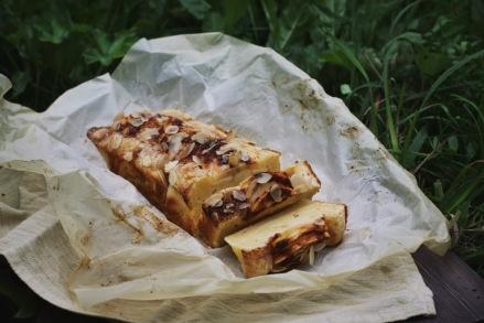 Шведский яблочный пирог с ванильным соусом