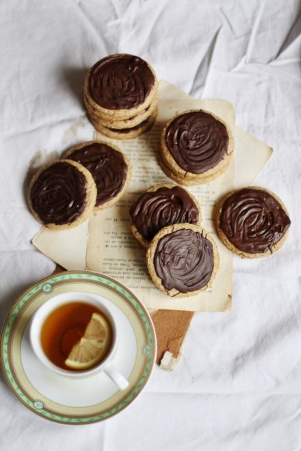Печенье дижестив с шоколадом Агата Кристи Убийство в Восточном экспрессе